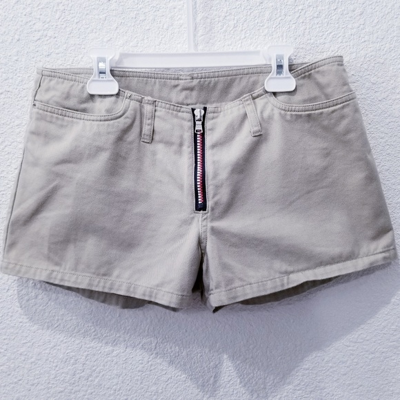 Tommy Hilfiger Pants - Tommy Jeans Kaki Shorts low Rise size 9_100% cotto